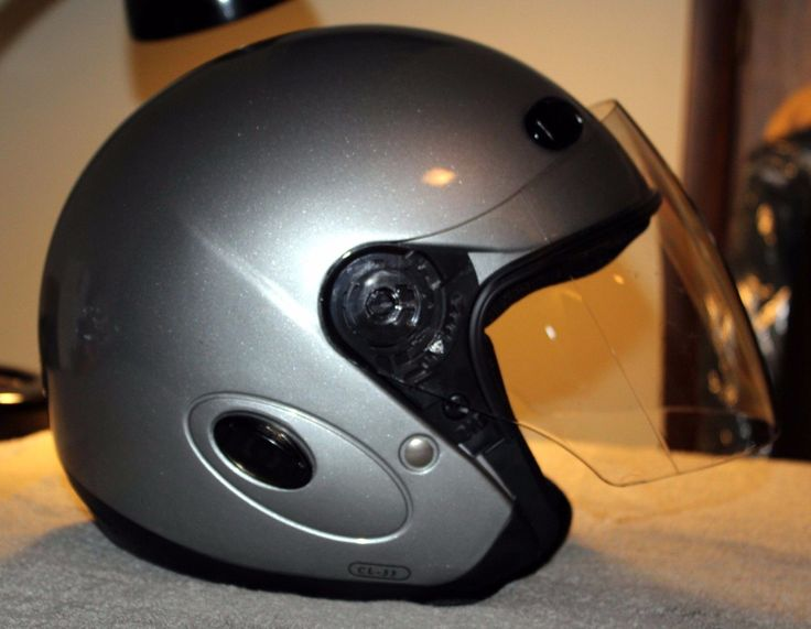 http://motorcyclespareparts.net/hjc-motorcycle-helmet-size-m-silver-excellent-condition/HJC Motorcycle Helmet/  Size M,  Silver/ Excellent Condition