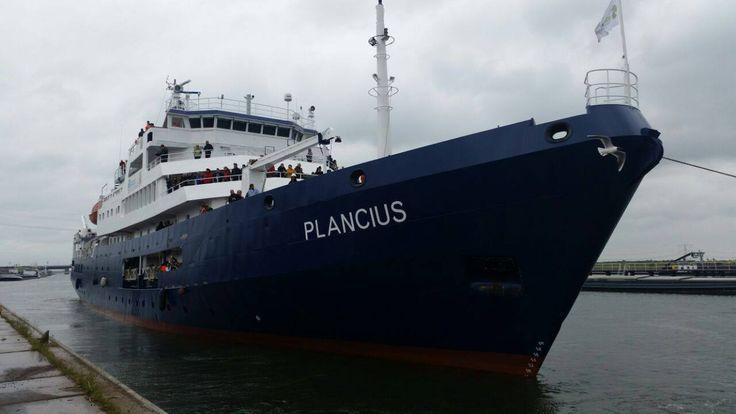 M/v Plancius heading north again. Bon voyage