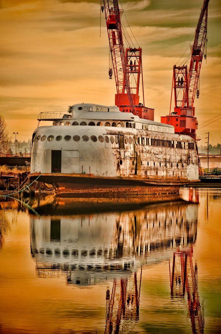 Former washington state ferry, the kalakala, rotting away in tacoma,wa. To hazardous to move.