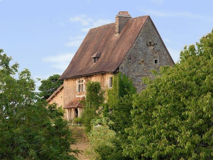 #Medieval #KnightsTemplar House!  A rare opportunity to buy a piece of history.