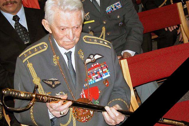 Generál Peřina v roce 2006