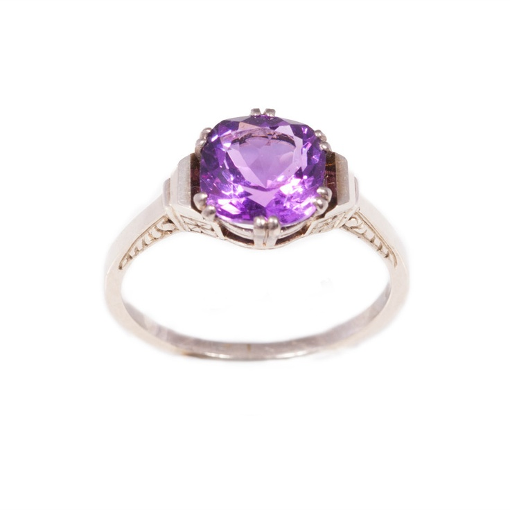 Vintage amethyst ring in 14ct white gold #amethyst #ring
