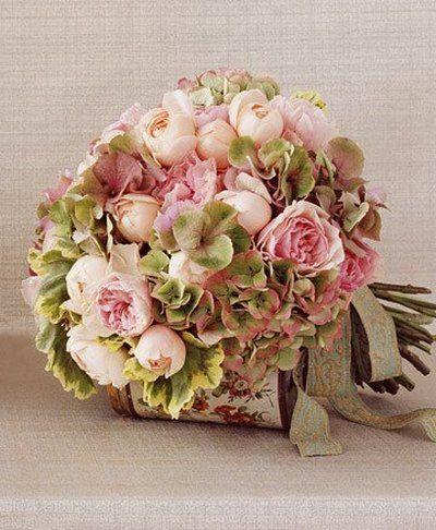 green and pink bouquet with roses and hydrangea - Bridesmaid? :)
