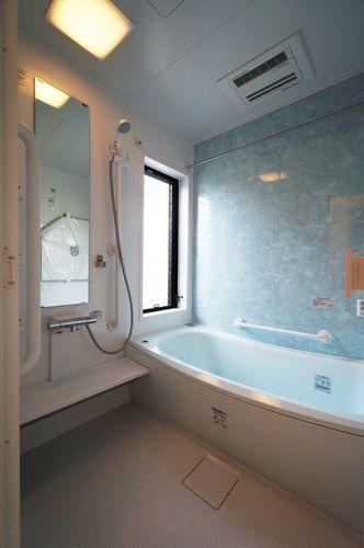 ブローバスと浴室乾燥機付きのシステムバス96万円!