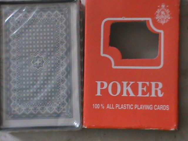 poker cards new, two alike
