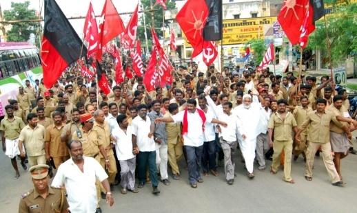 Auto Drivers demonstration demanding price hike