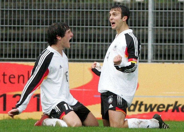Он был лучшим юниором Германии, круче Озила с Боатенгом, а теперь играет в 4-й лиге - La Strada - Блоги - Sports.ru