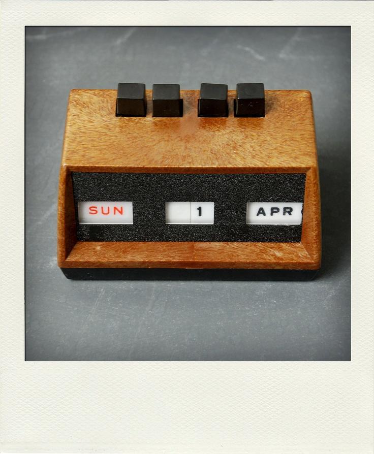 Perpetual Calendar Desk : Best images about items on pinterest radios vintage