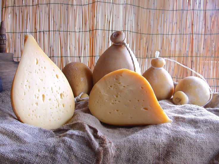 Caciocavallo of Forenza. It's a spun paste cheese of round shape, whose name derives from the fact that traditionally the provole were tied together and left to mature riding a stick horizontally.