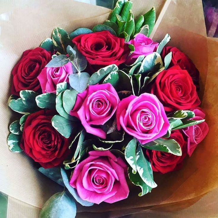 Do you love roses as much as we do?  #flowers #bright #love#celebrate #instagramers #instalike #like #share #i #giftideas #gift #dublin #ireland #irelandaily #galway #picoftheday