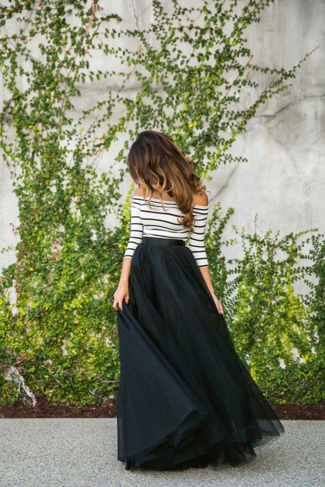 Streifenshirt kombinieren: Aufregend zu Maxi-Tüllrock