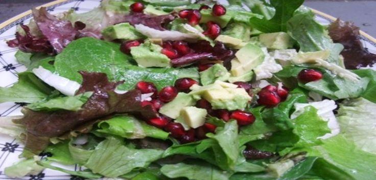 Σαλάτα με φρέσκο σπανάκι και αβοκάντο | athensgo
