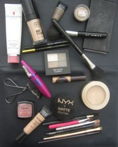 See what's in my makeup bag!