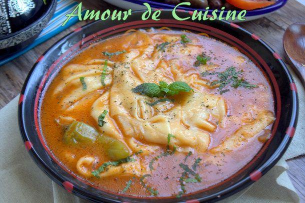 Aftir aqessoul: Timgzart Bonjour tout le monde, Je partage avec vous aujourd'hui ce délicieux plat qui nous vient de la kabylie, aftir aqessoul, connu sous le nom de : timgzart,thaknifth tadount,tikkarrissine, thafdaouchtet… la liste est longue. Mais c'est quoi aftir aqessoul? c'est des crepes algeriennes dans la marmite, si on veut la traduction mot a ...
