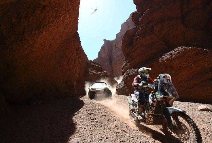 Es treten Fahrer in vier Kategorien an: Auto, Motorrad, Truck und Quad. Der...