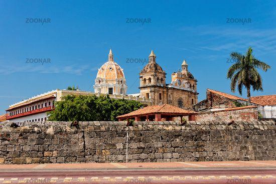 Stadtmauer und Kirche San Pedro Claver, Cartagena, Kolumbien