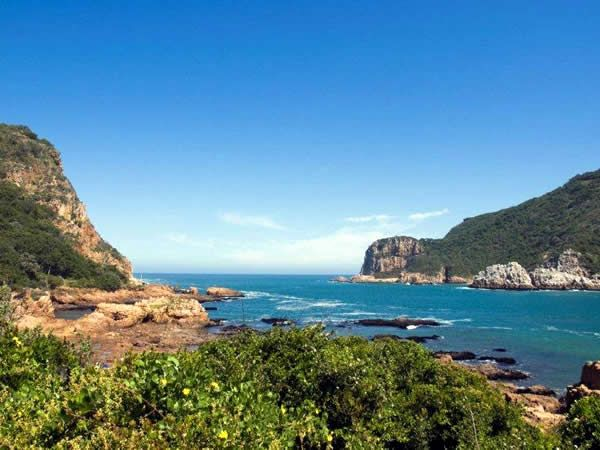 A list of the best restaurants and cafés for holiday dining on the Garden Route, including Sedgefield, Knysna and Plettenberg Bay.
