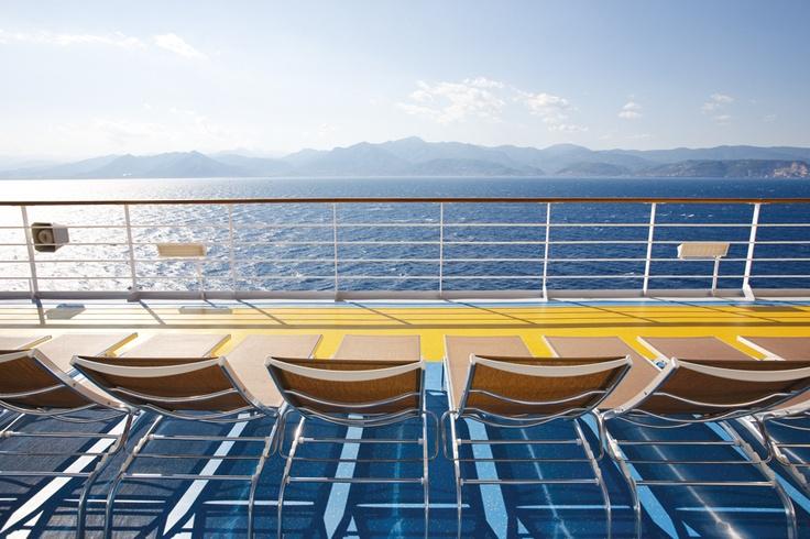 Los lugares:   250 destinos, 130 itinerarios distintos, 56 puertos de embarque