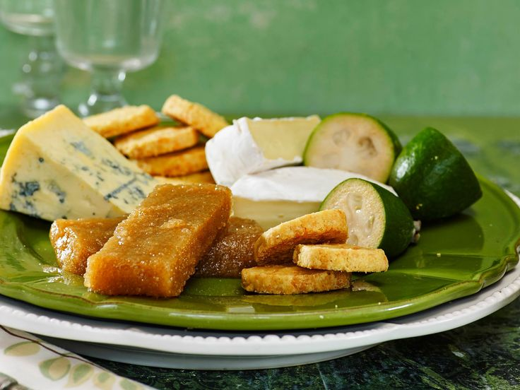 This feijoa paste is great on cheese boards and antipasto platters.
