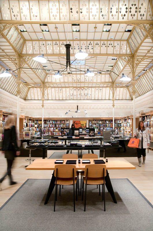 espace librairie suspension serge mouille le bon march places pinterest de paris. Black Bedroom Furniture Sets. Home Design Ideas