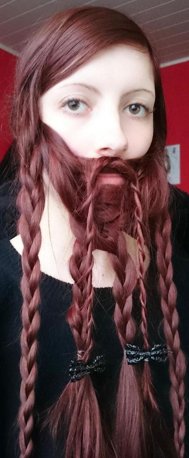 Woman Braids Hair Into Sweet Dwarven Beard | Geekologie