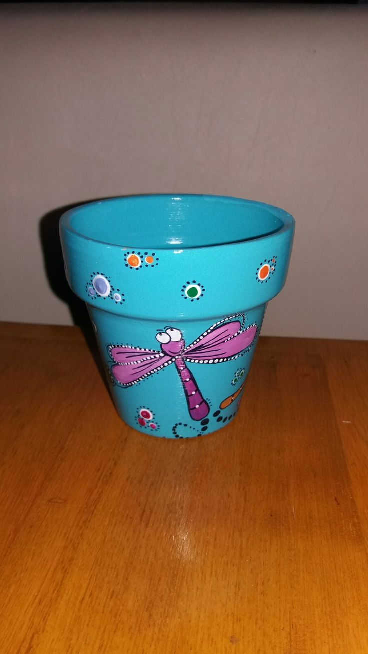 Pottery Painting Ideas, Painted Pots, Clay Pots, Flower Pots, Chicken, Plant  Pots, So Done, Pintura, Painted Vases