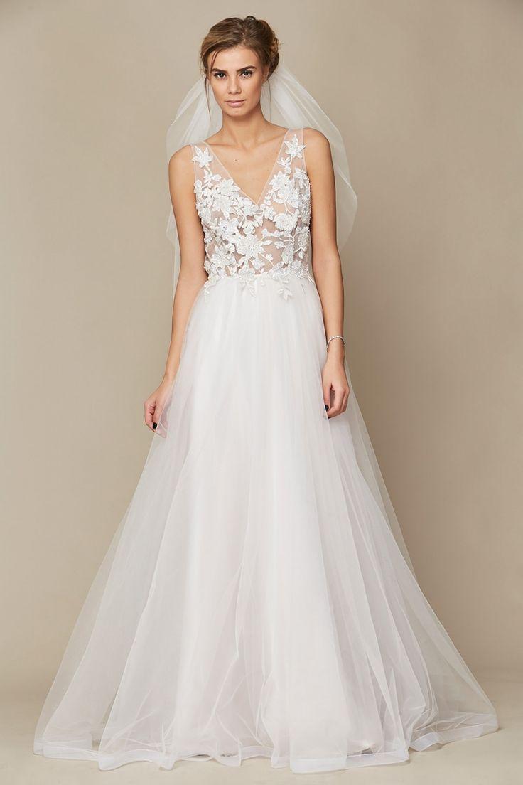 Rochie Camille Oana Nutu Fashion Designer Wedding Dress Wedding Gown www.OanaNutu.com #fashion #style #shopping #oananutu #Bridal #BridalDress #WeddingDress #Bride #FashionDesigner #Wedding