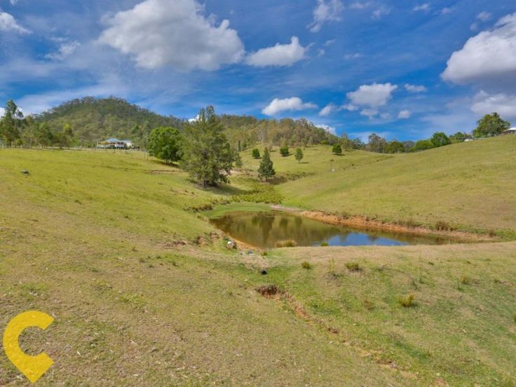 Mount Kilcoy Queenslander: located on 205 acre's of beautiful farm and bush land