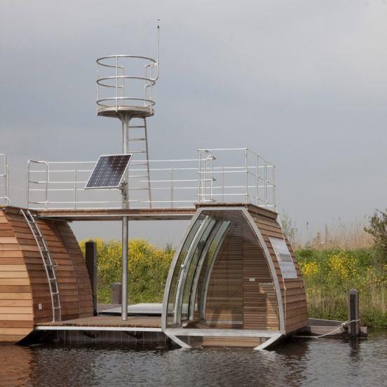 Ecolodge, een bijzonder concept in de Biesbosch. Slapen op het water in de Floating Lodge.