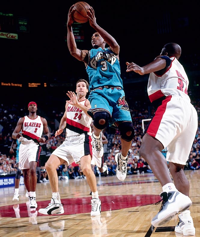 Shareef Abdur-Rahim Vancouver Grizzlies Chris Dudley Clifford Robinson Isaiah Rider Portland Trail Blazers of the rivaly of the Northwest Pacific.
