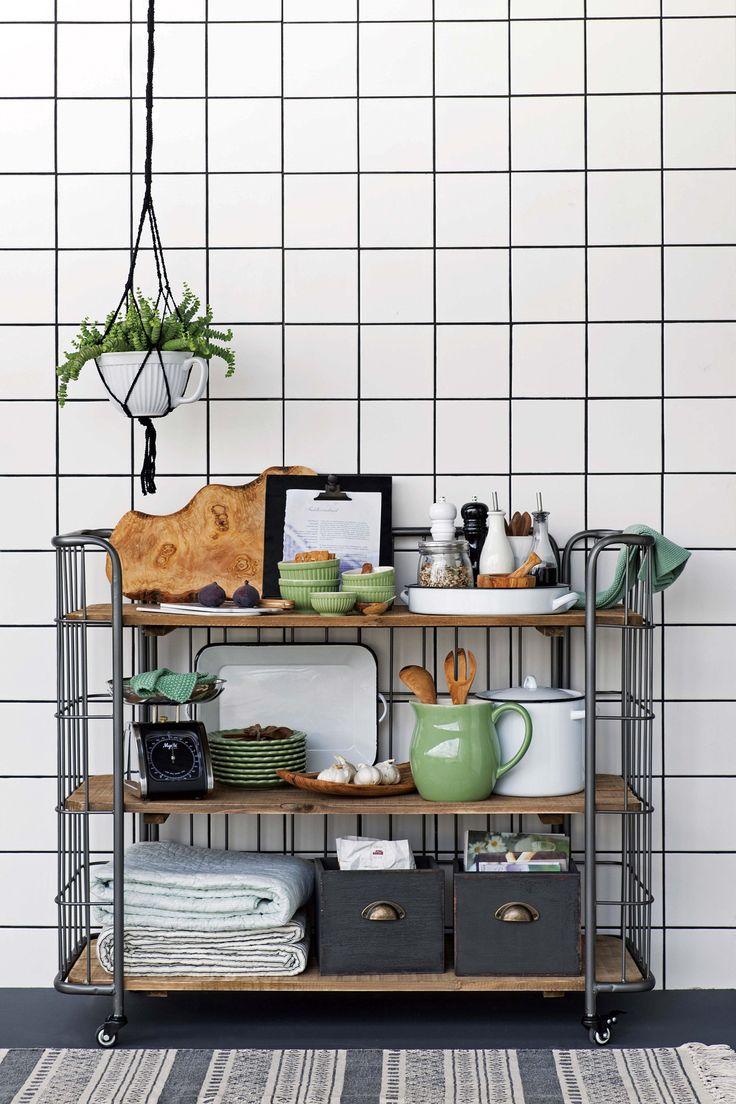 Tendencias desde la feria Ambiente 2017: estilismo para la cocina en blanco, verde y gris topo, de IB Laursen.