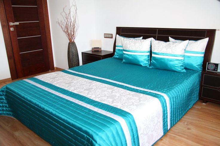 Luksusowe turkusowe narzuty na łóżko do sypialni z białym ornamentem