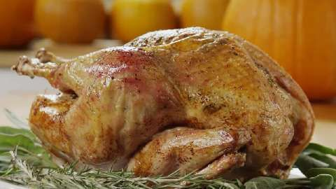 Rosemary Roasted Turkey Video Combine fresh chopped rosemary and basil, minced garlic, and Italian seasonings with olive oil. And then rub the bird with the mixture, inside and outside. It's a flavor combination that also works great for roast whole chicken, chicken breasts