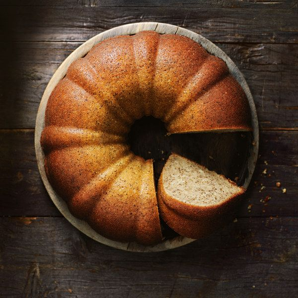 I do love a good Bundt cake—they're just so elegant and beautiful! This easy melt and mix recipe is flavored with chai tea leaves and pumpkin pie spice.