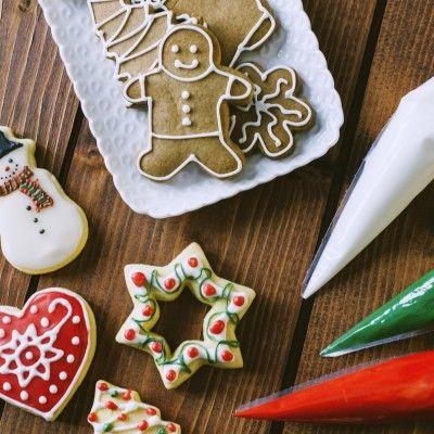Per trasformare biscotti e torte e renderli eleganti e incantevoli, la ghiaccia reale è perfetta! A Natale, poi una preziosa alleata!