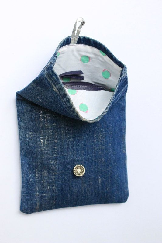 Denim clutch bag Small clutch Recycled jeans purse por PrettyMery