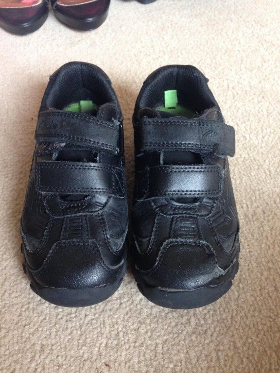 Selling on online-carboot.co.uk - boys clarks school shoes size 10