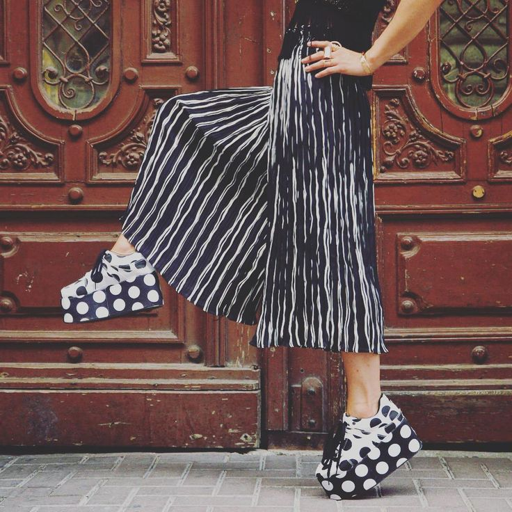 Different is beautiful ⚫️ #instacool #vintage #polkadot #platform #shoes #blackandwhite #stripes #trousers #szputnyikshop #szputnyik #budapest #minimal #daily #outfit #inspired by #yayoikusama