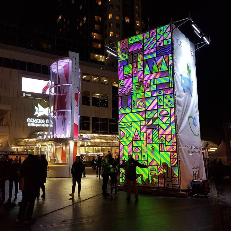Projection Mapping Installation artwork tonight at the New Year's Eve party here in Vancouver.  A collaborative artwork between @hfourstudio and @tierneymilne  Happy New Year!