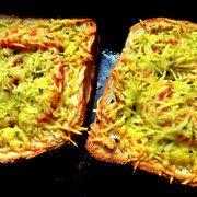 Двойной бутерброд с мясом и сыром