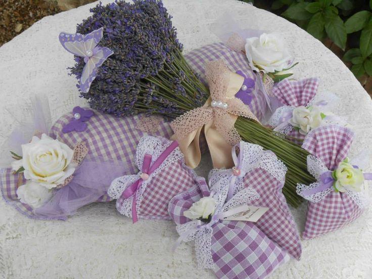 """Bomboniere realizzate con la lavanda dei nostri campi fotografate in un pranzo di nozze e un matrimonio a tema """"Lavanda"""" organizzato nel nostro Ristorante Romantico."""