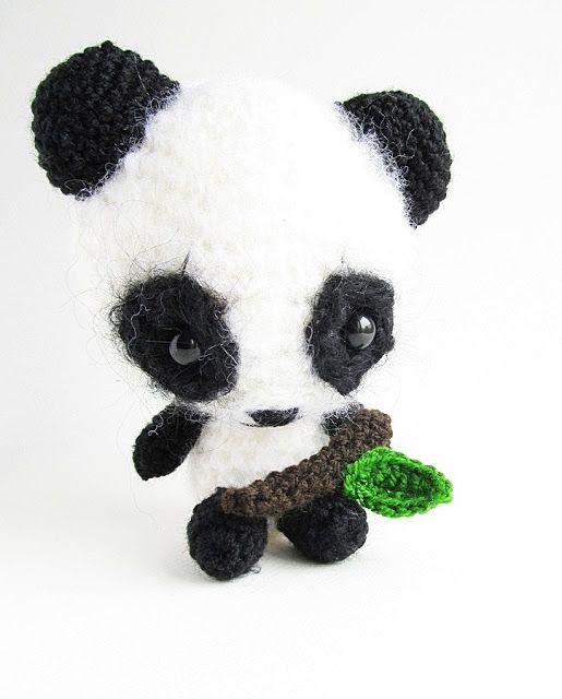 Pequenas Cosas escribió en su blog: {Amigurumi Miku Patrón Panda}