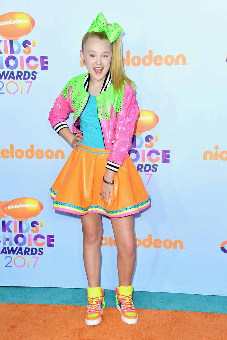 LOS ANGELES, CA - MARCH 11: Dancer JoJo Siwa attends at Nickelodeon's 2017 Kids' Choice Awards at USC Galen Center on March 11, 2017 in Los Angeles, California. (Photo by Steve Granitz/WireImage) via @AOL_Lifestyle Read more: https://www.aol.com/article/entertainment/2017/03/11/kids-choice-awards-2017-red-carpet-arrivals/21880105/?a_dgi=aolshare_pinterest#fullscreen