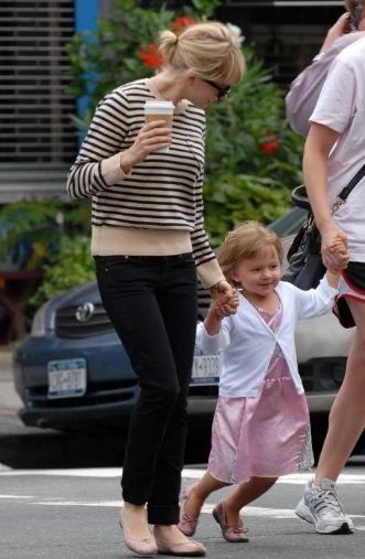 Michelle Williams Mom Style