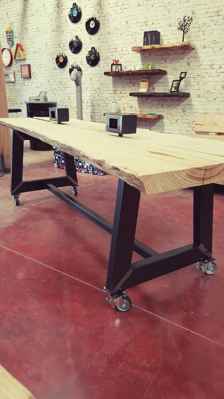 Pi di 25 fantastiche idee su scrivania in legno su - Pitturare legno senza carteggiare ...