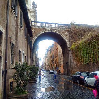 Autour de Rome: à la découverte de Via Dei Banchi Vecchi, parmi des œuvres d'art et Sainte Lucie