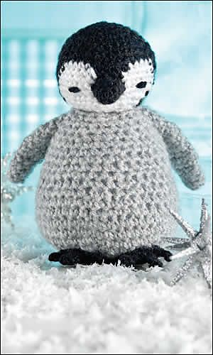 Fuzzy baby penguin-Crochet World Magazine December 2012
