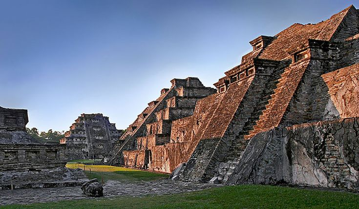 El Tajin, Pre-Hispanic City, Etat de Veracruz, municipalité de Papantla, Mexico. Inscription in 1992. Criteria: (iii)(iv)