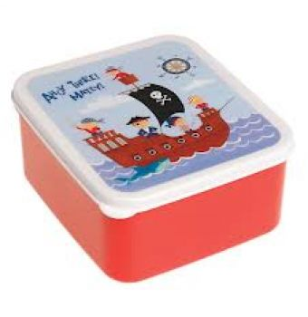 Pirate Fun Lunch Box Whether you have a peg leg or not you can hide your lunch time treasures in style in this pirate lunch box.  Say goodbye to boring lunch boxes with this adorable, retro pirate print lunch box.   It is perfect for your sandwiches or snacks and is dishwasher safe.   Made from food safe plastic, is BPA free and and measures approx 15cm x 14cm x 7cm.   You can coordinate it with the pirate fun lunch bag.