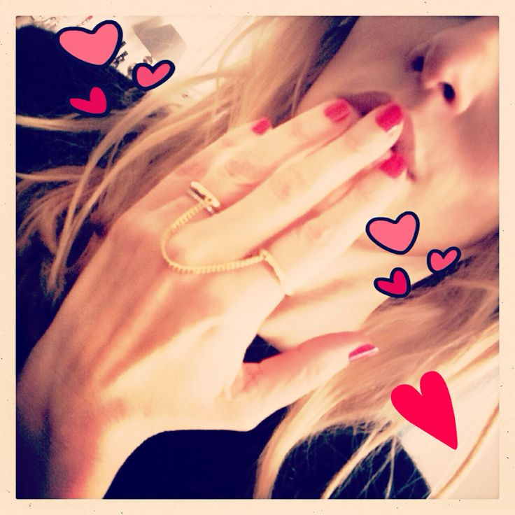 Friday Polish Day... Valentine ❤️ - Chloé rings